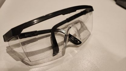 Schutzbrille für OP und Sterilisation von Piercinginstrumente.de2